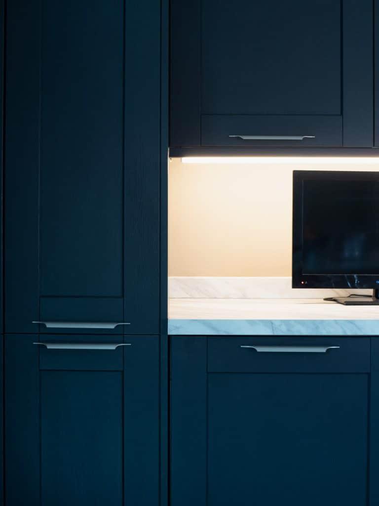 Black Kitchen Cupboards